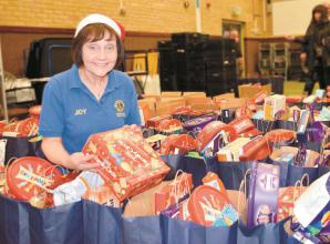 Maidenhead Lions get a helping hand preparing food parcels