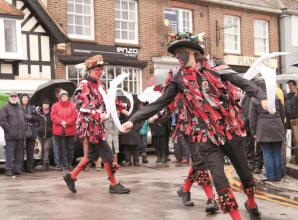 Hundreds watch Boxing Day Show performed by Datchet Border Morris dancers