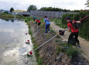 GoodGym volunteers lend a helping hand to Maidenhead Waterways